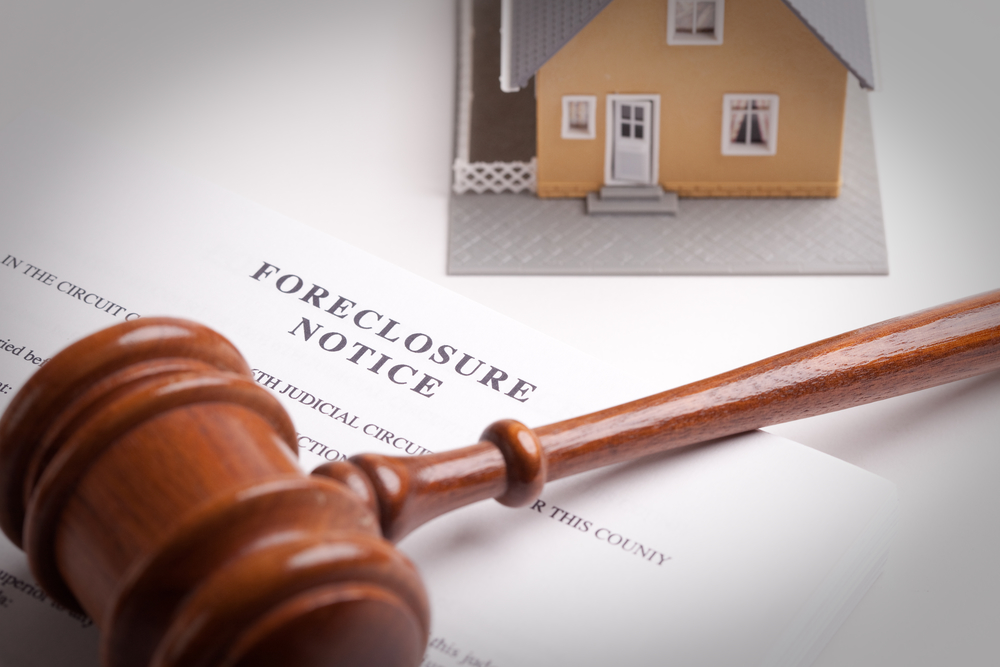 foreclosure notice with gavel