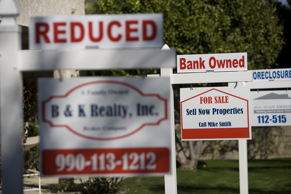 foreclosure sale signs